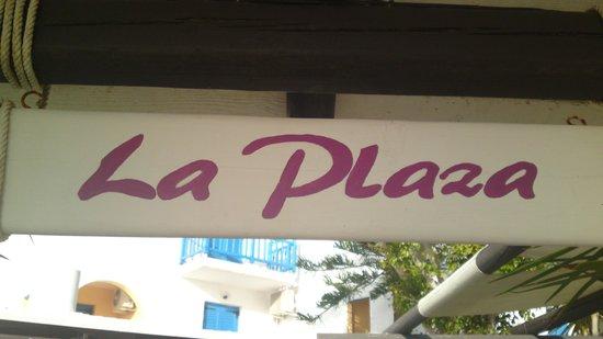 La Plaza: Entrance