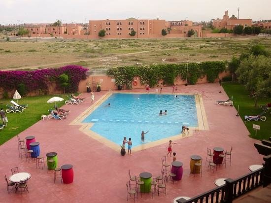 Ibis Marrakech Palmeraie : view of the pool from our window