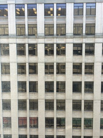 Sheraton Centre Toronto Hotel: Our view from the 7th floor. Disappointing