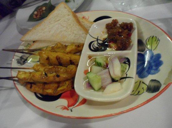 Lemongrass Thai Restaurant: Chicken satay