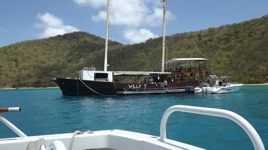 Stormy Petrel & Pirate's Penny Motor Yachts: The Willy T. for lunch