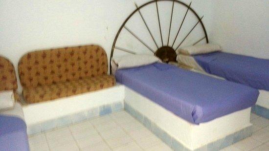 Nobaleh Ramsis Hotel: pleasant bedroom at the price