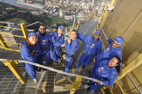 Sydney Tower Eye and Skywalk : The group posing