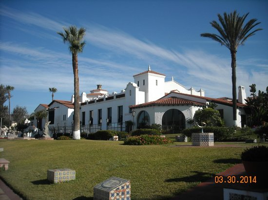 Cultural Center of Ensenada: The front of the building