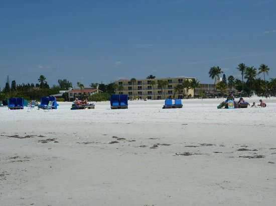 Pointe Estero Beach Resort: Strand