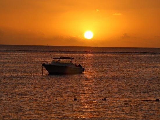 Sugar Beach Golf & Spa Resort: sunset
