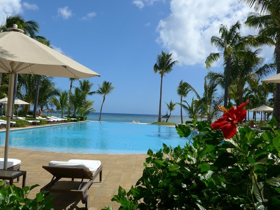 "Sugar Beach Golf & Spa Resort : la piscine ""zen"""
