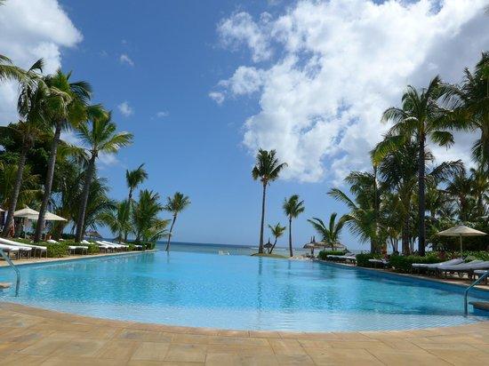 Sugar Beach Golf & Spa Resort : piscine zen suite