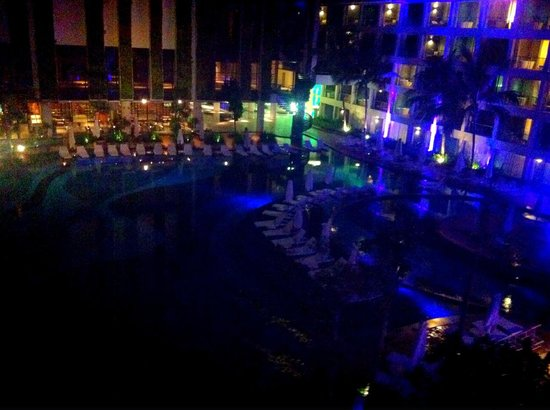 The Stones Hotel - Legian Bali, Autograph Collection : Pool view at night from the balcony