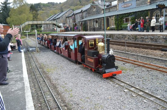 Conwy Valley Railway Museum & Model Shop: A Great Train 2