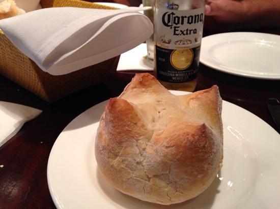 Tommy Bahama's Restaurant & Bar : rolls, yum