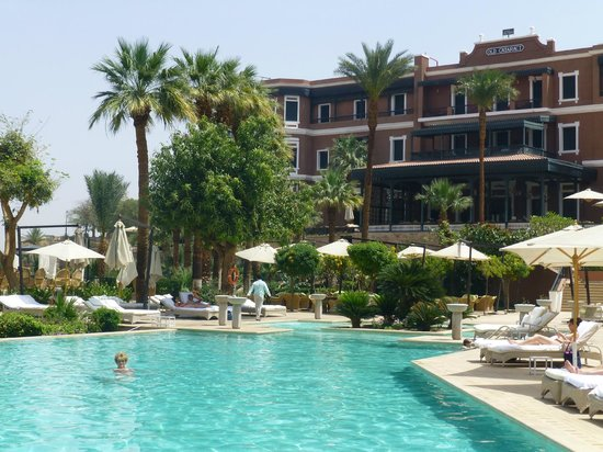 Sofitel Legend Old Cataract Aswan: pool and gardens