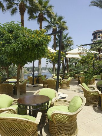 Sofitel Legend Old Cataract Aswan: terrace by the pool