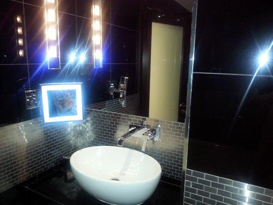 The Montcalm London Marble Arch : Bathroom
