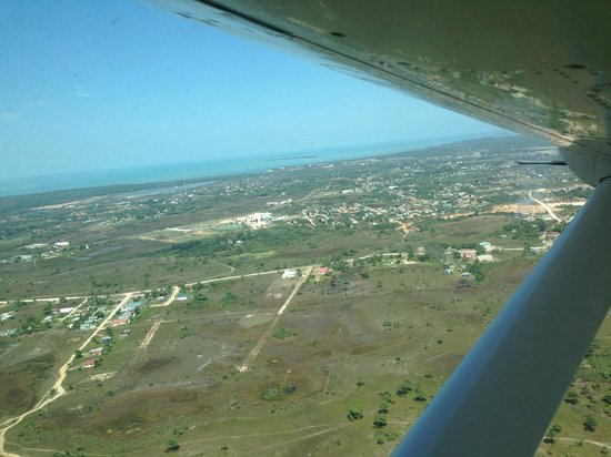 Coco Beach Resort: Birds eye view of island