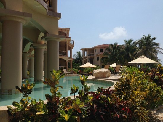 Coco Beach Resort Pool With Swim Up Bar