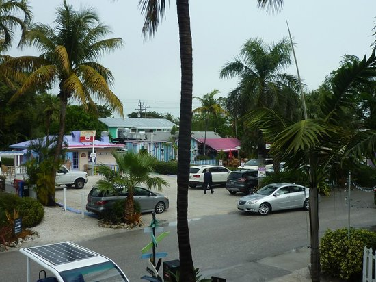 Captiva Island Inn Bed & Breakfast: View to the right from Lantana suite