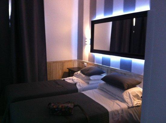 Hotel Center 1 : Bedroom