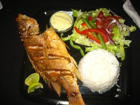 The Lemongrass : My dinner - red snapper (10$ - as a menu del dia)
