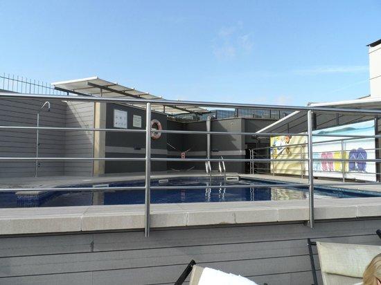 Barcelona Universal Hotel: Rooftop Pool