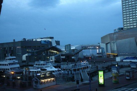 Boston Marriott Long Wharf : vista del porto dalla stanza 245