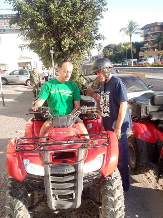 Estigo Tours: Learning how to operate the ATV