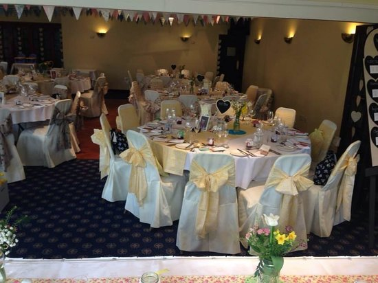 Windsor Hotel: Round tables