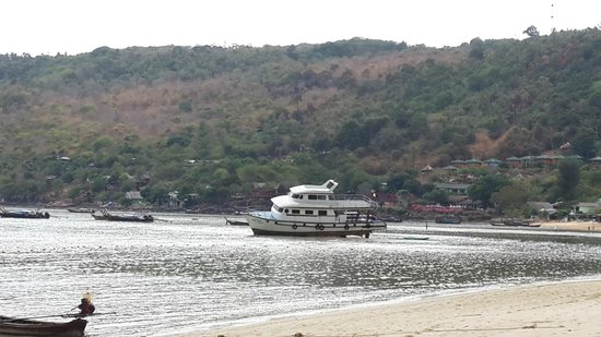 Phi Phi Inn: пляж