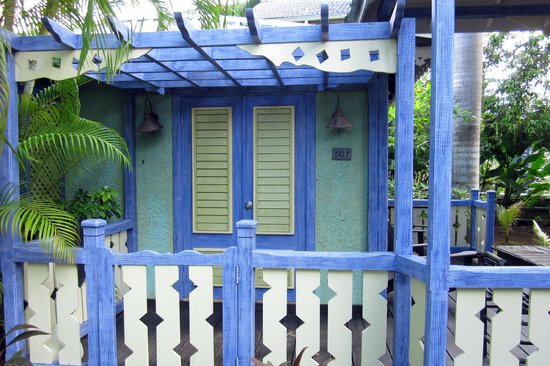 Country Country Beach Cottages: Caribbean colors delight