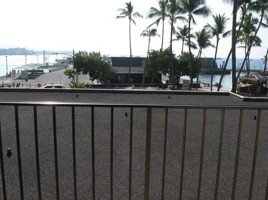 Courtyard by Marriott King Kamehameha's Kona Beach Hotel: 1st Oceanfront room view