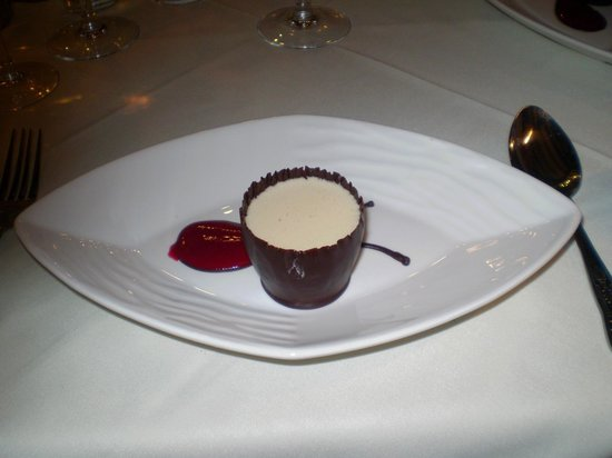 Albright Hussey Manor Hotel: My dessert from the 8 course gourmet.
