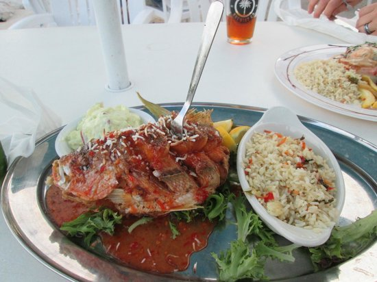 Island Grill: Whole snapper fried