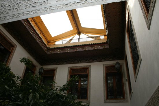 Ryad Alya: Courtyard View to Ceiling