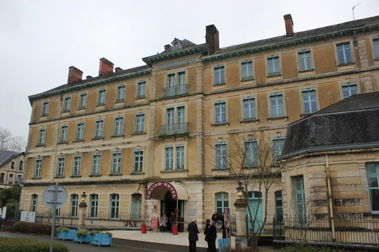 Hôtel du Parc : El frente del hotel
