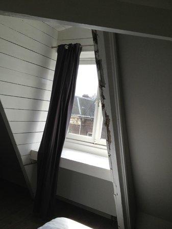 Rooms & Co B&B: revner vinduer