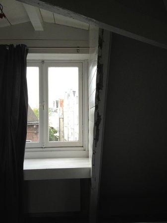 Rooms & Co B&B : revner vinduer