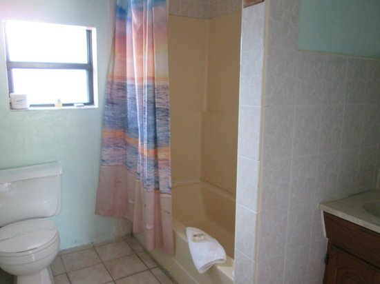 Conch on Inn Motel: Bathroom