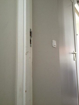 Rooms & Co B&B : revner døren
