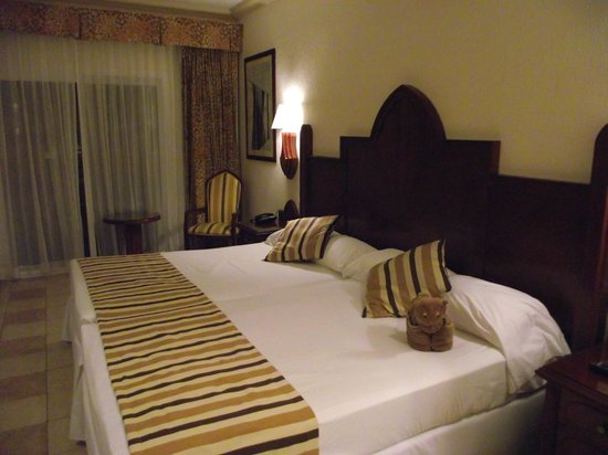 Hotel Riu Vallarta: 2 Doubles make a King Bed