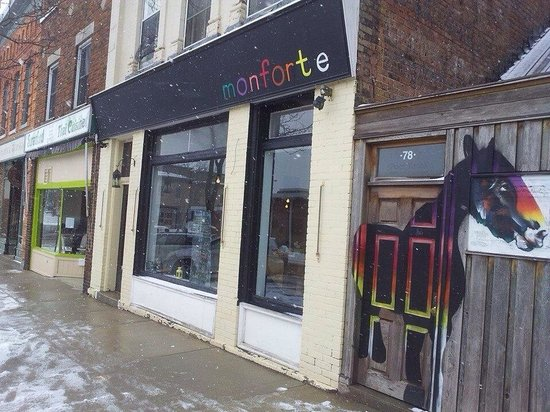 Monforte on Wellington : It's the new art and sign!