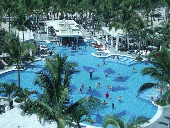 Hotel Riu Vallarta : Adult Pool From Glass Elevator