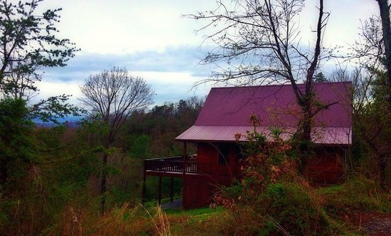 Rustic Cabins : Outside of Crimson Star