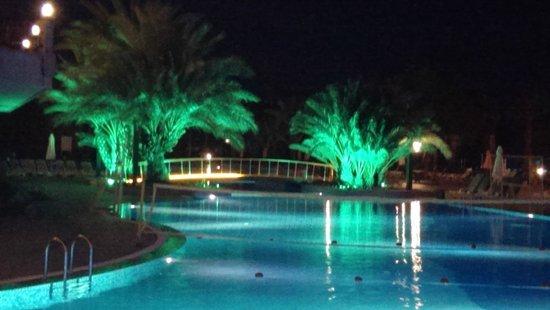 Papillon Zeugma Relaxury: Pool bei Nacht
