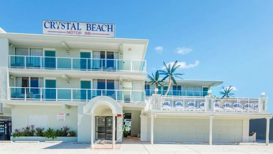 Crystal Beach Motor Inn: Crystal Beach Front View