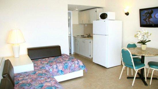 Crystal Beach Motor Inn: 2 Room Efficiency Suites