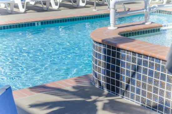 Crystal Beach Motor Inn : Adult & Kiddie Pool