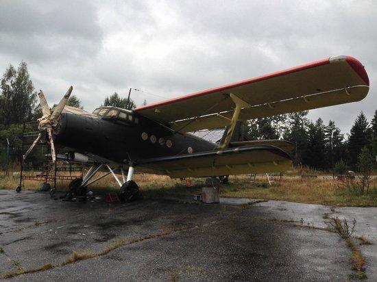 Skien, Noruega: Antonov-2