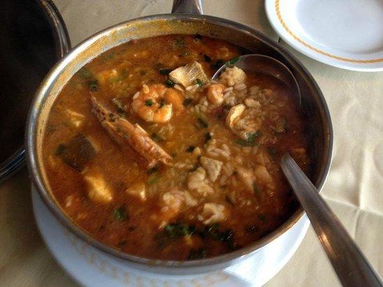Ribamar : Olha esse arroz de peixe com mariscos: dá pra comer uma famíla!