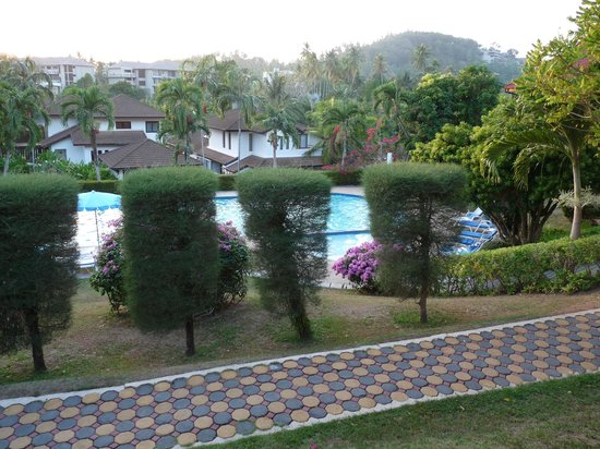 Pen Villa Hotel: Pool/Garden