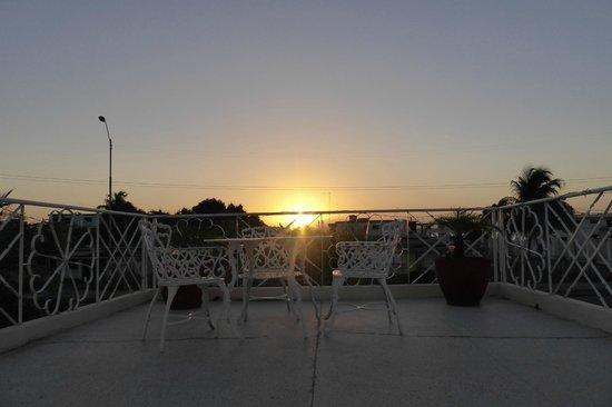 Hostal Nautico: Sunrise from the rooftop